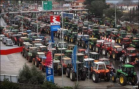 _45400714_tractors_afp466